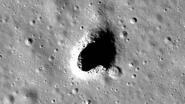 Ay'daki Devasa Mağaralar