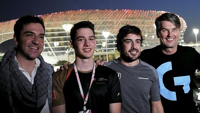 Fernando Alonso ve Cem Bölükbaşı Ortada