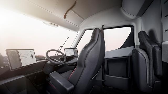 Tesla Semi-4