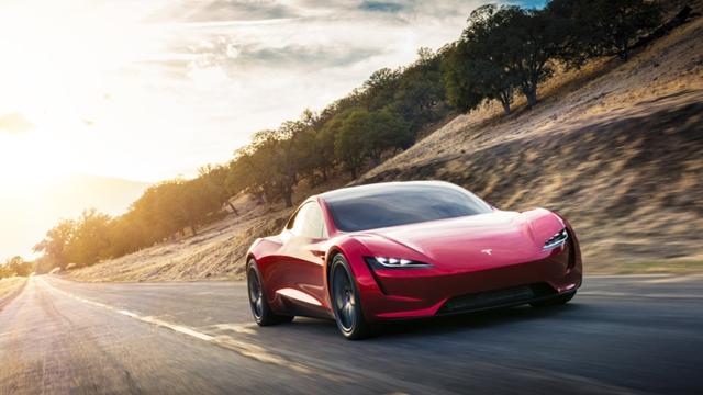 Tesla'nın, Elektrikli Kamyonu ve Spor Arabası Sonunda Gün Yüzüne Çıktı!