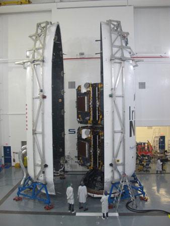 İçerisine Iridium Uydusu Konulmuş SpaceX Falcon Roketi