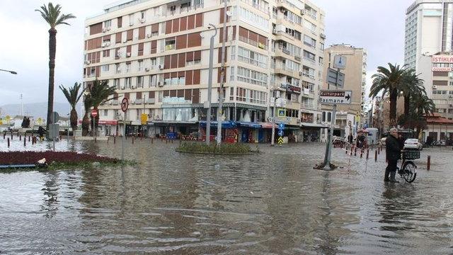 İzmir sel baskını
