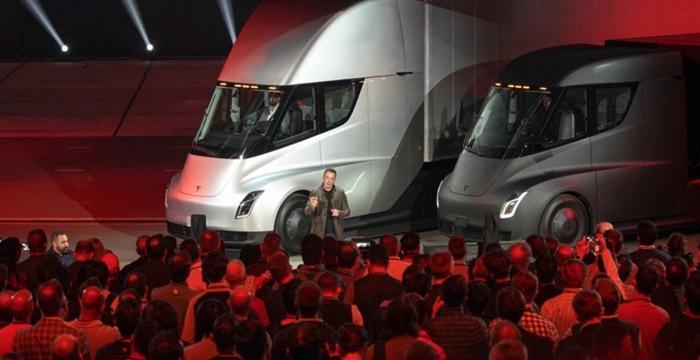 Tesla, 675 Milyon Dolar Zarar Etti