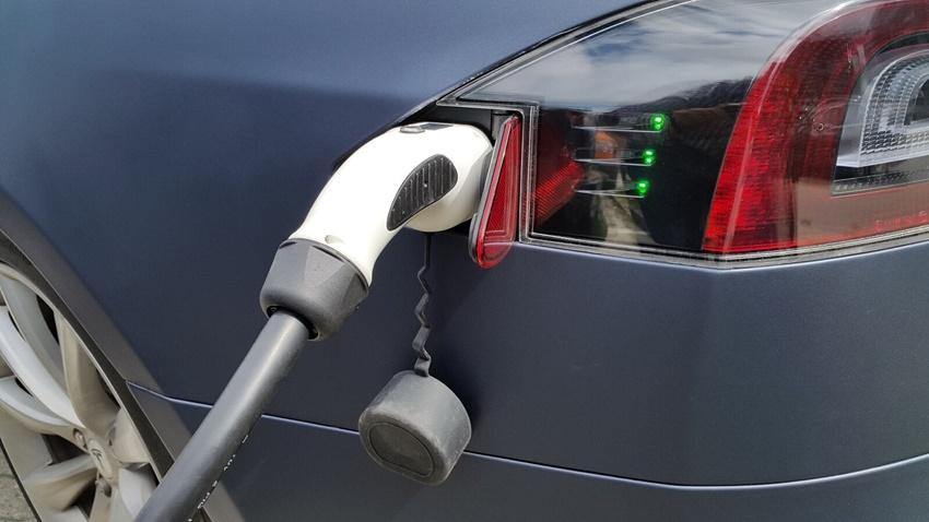 Elektrikli Araba Şarj Ünitesi