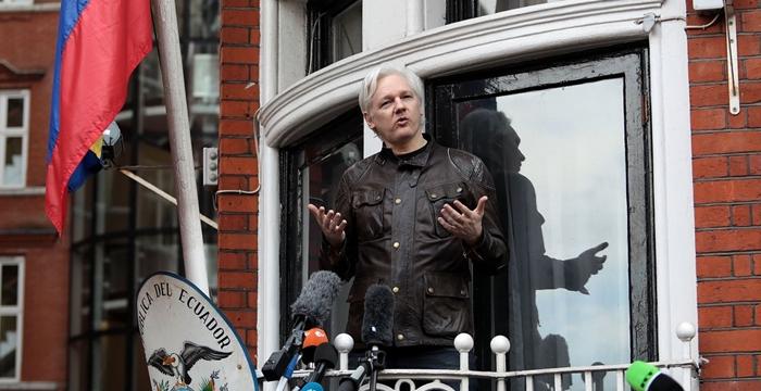 Julian Assange Ekvador