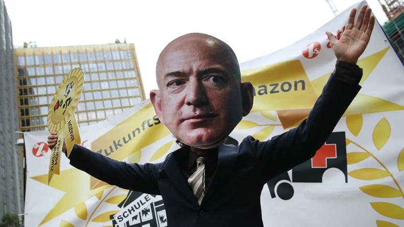 Jeff Bezos Amazon protesto