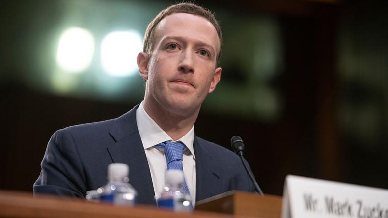Mark Zuckerberg ifade veriyor