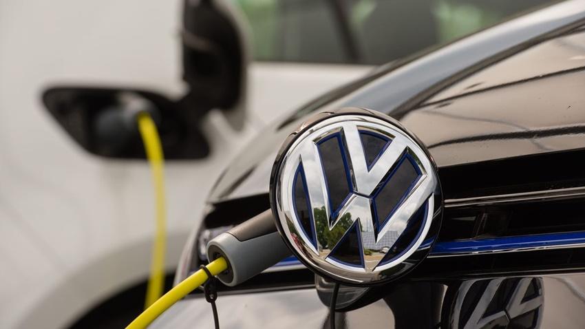 Volkswagen ve Renault, Elektrikli Araç Paylaşım Hizmeti Kuruyor