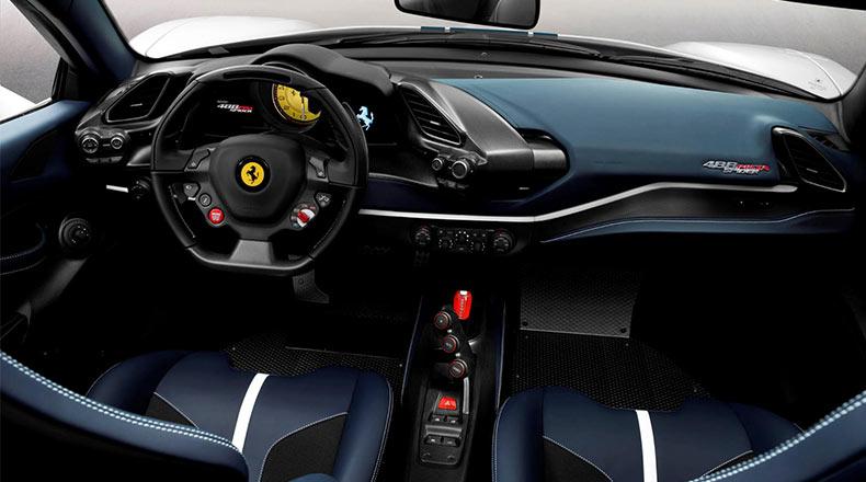 Ferrari 488 Pista Spider İç Mekan