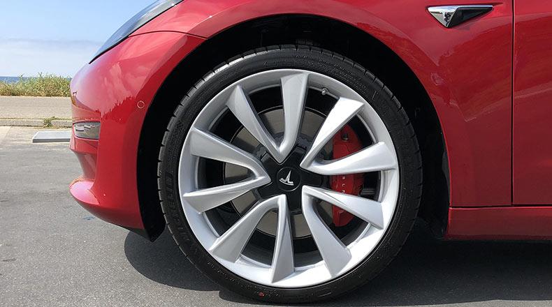 Tesla Model3 Satış Sonrası Performans Yükseltme Paketi 2