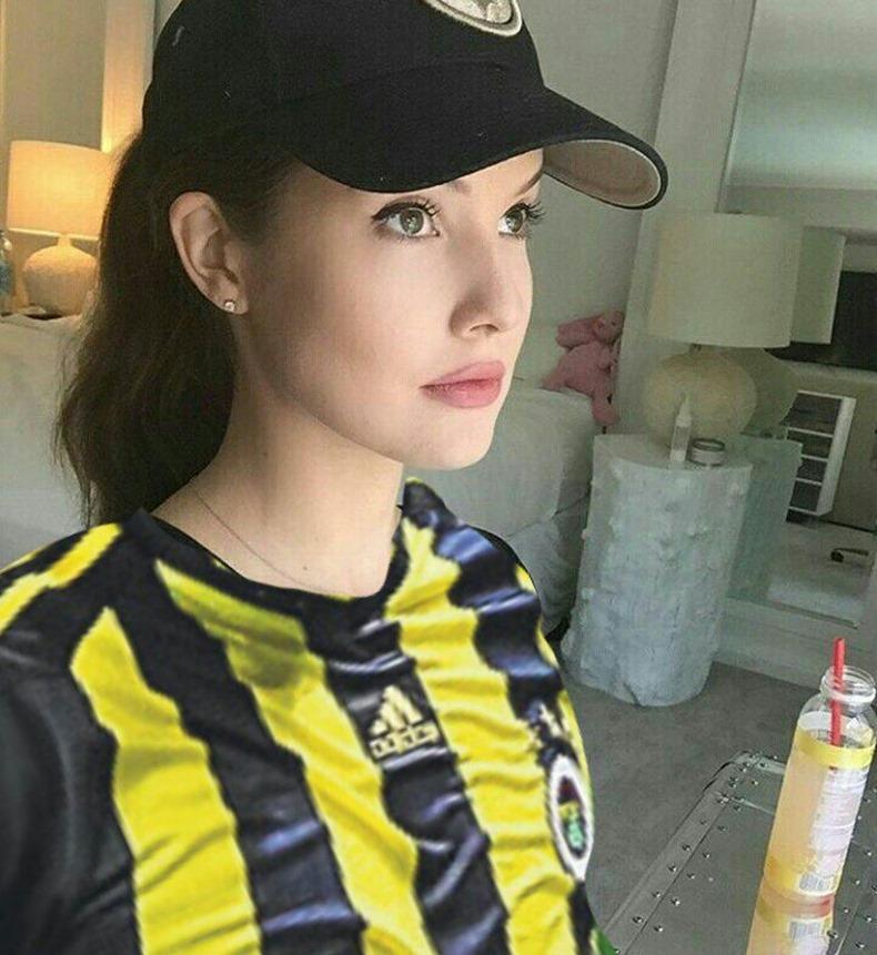 Amanda Cerny fenerbahçe
