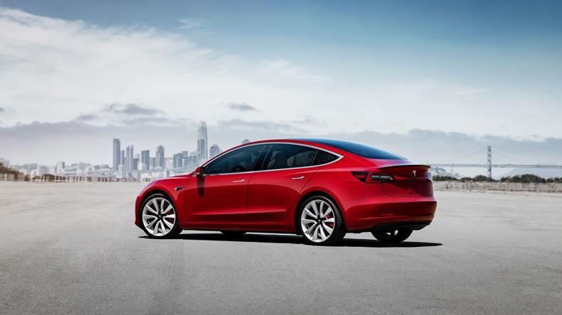 Tesla Model 3 uygun fiyat