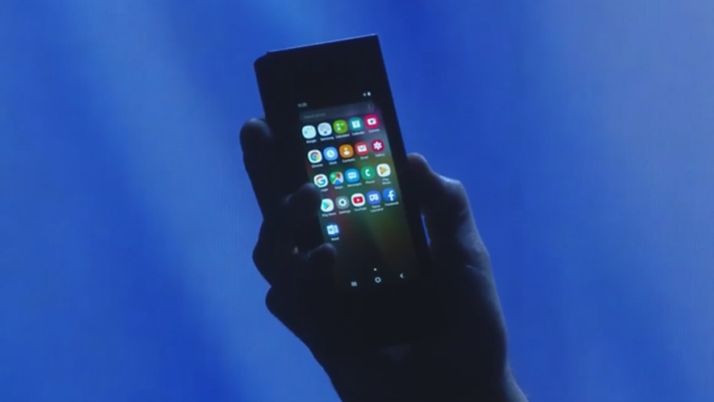 Samsung katlanabilir ekranlı telefon 2