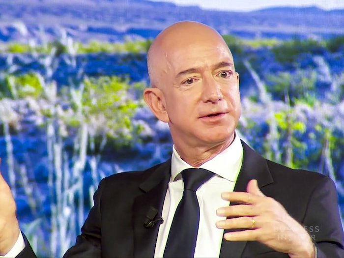 (1) Jeff Bezos - Serveti: 112.6 milyar $