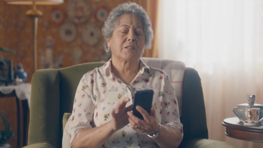 Turkcell BiP yaşlı kadın