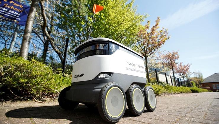 İngiltere Sağlık Çalışanlarına Robotlar ile Erzak Gönderiyor