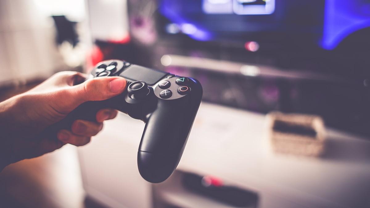 Sony PlayStation 4 Hatası Bulanlar Zengin Olacak -1