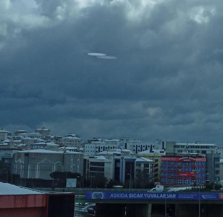 istanbul-da-cekilen-ufo-goruntusu-gercek-mi