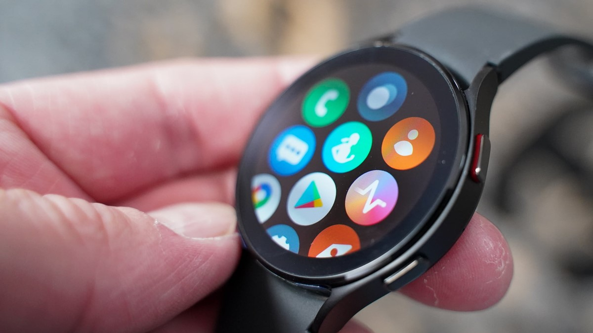 Galaxy Watch 4 Dokunmatik Bezel Sorunu Düzeltildi