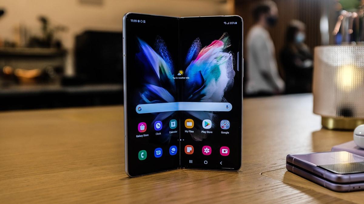Samsung Katlanabilir Telefonlarda 2 Adet Parmak İzi Sensörü Kullanacak