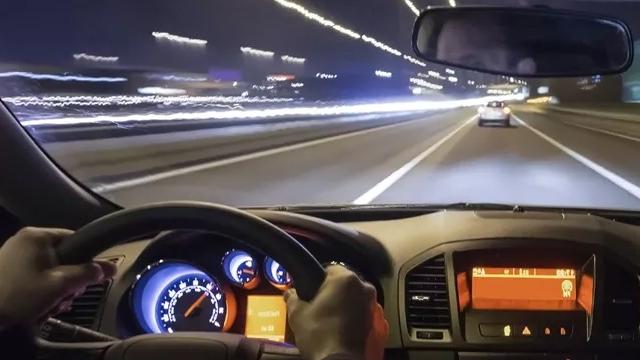 Arabanızı Nasıl Akıllı Bir Araç Haline Getirirsiniz?