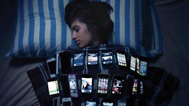 Akıllı Telefonlarımız Vücudumuzu ve Beynimizi Nasıl Etkiliyor