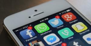 Facebook Uygulamasına Whatsapp Butonu Geliyor