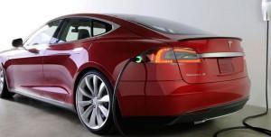 Çin'deki Tesla Otomobillerin Şarj Girişi Artık Farklı Olacak