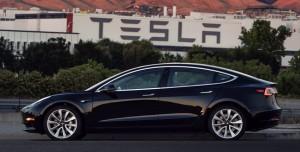 Tesla Yüzlerce Kişiyi İşten Çıkardı