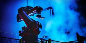 Adidas, Robot İşçiler Tarafından Üretilen Ayakkabılarını Satışa Çıkarıyor