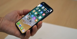 Apple'dan 'Ucuz iPhone X' Hamlesi