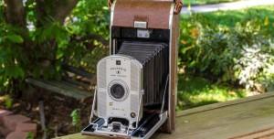 Tarihte Bugün: Polaroid Şipşak Kamera Satışa Sunuldu