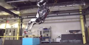 Boston Dynamics'in Atlas Robotu Jimnastik Ustası Çıktı!