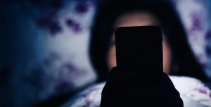Dikkat! Gece Telefona veya Tablete Bakmak, Sizi Kör Edebilir