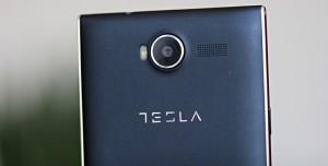 Tesla Akıllı Telefon Pazarında Apple'a Rakip Olacak
