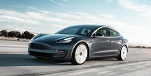 Tesla, Model 3'ü Hackleyebilene Araba Hediye Edecek