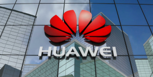Huawei, iPhone'dan Tweet Atan Çalışanlarına Acımadı