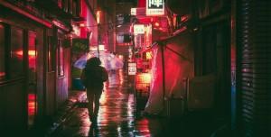 Yalnız Yürürken Kişisel Güvenlik İçin En İyi 4 Kendini Savunma Uygulaması
