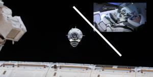 SpaceX Crew Dragon, ISS'e Kenetleniyor! Canlı Yayını Kaçırmayın