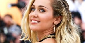 Miley Cyrus Uzaylılar Tarafından Kovalandığını Söyledi!
