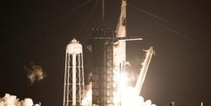 Bir İlk Gerçekleşti: Dört Astronot Taşıyan SpaceX Roketi Havalandı