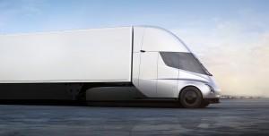 Elon Musk Duyurdu: 1.000 KM Menzilli Elektrikli Kamyon Gelebilir