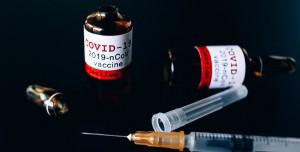 Prof. Dr. Akova Açıkladı: Koronavirüs Aşısı Salgını Bitirecek mi?