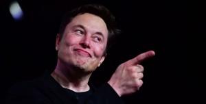 Elon Musk, Tesla'yı Apple'a Satmayı Düşündüğünü Açıkladı: Tim Cook Yanaşmadı