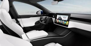 Tesla Model S Yenilendi: İkincil Ekran ve Uçak Direksiyonu