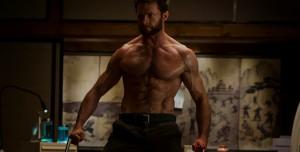 X-Men'in Wolverine'i Hugh Jackman, Yeni Yılı Buz Gibi Suda Karşıladı