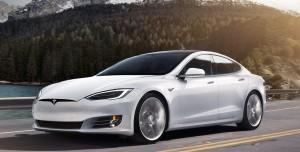Tesla 135.000 Aracını Geri Çağırıyor: İşte Sebebi