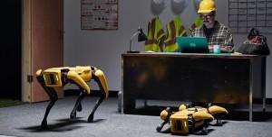 Boston Dynamics Spot için Yeni Video: Çöplerinizi Toplayan Bir Robot!