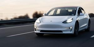 Elon Musk Açıkladı: Bitcoin ile Tesla Satın Alabilirsiniz