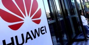 Huawei Satılan Her Samsung ve Apple Telefonu İçin Para İstiyor